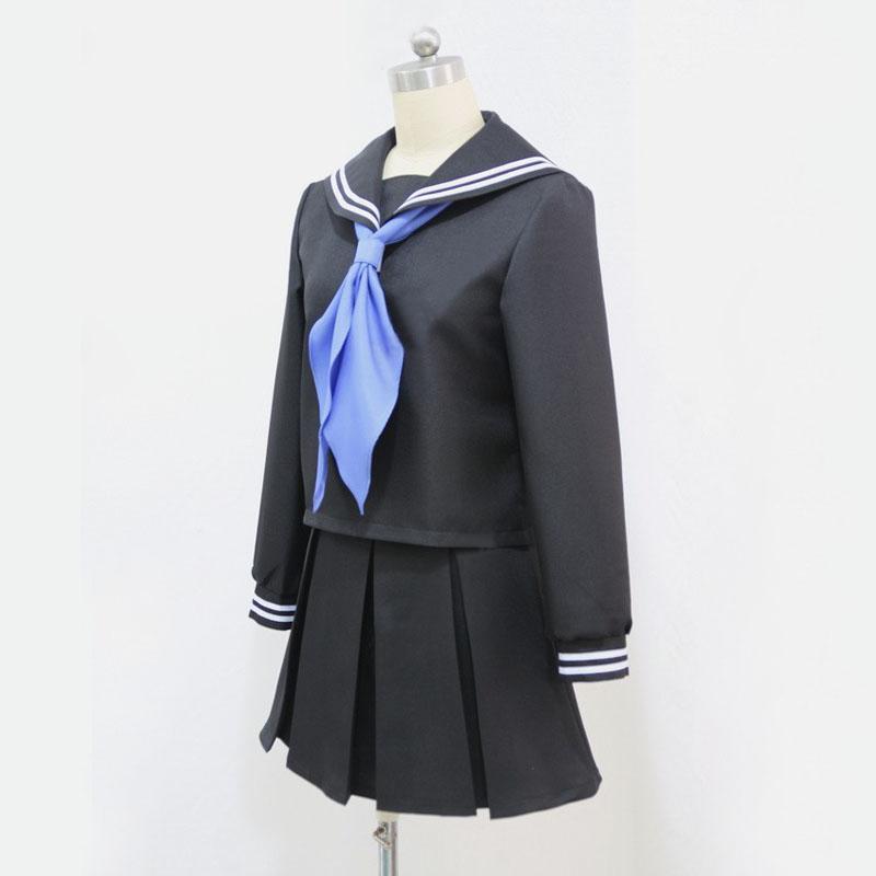 夏目 レイコ 制服